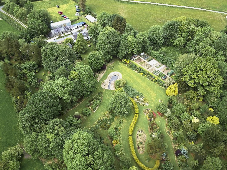 Llwyngarreg Garden 19755%20(01)-1500